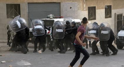 سجن الحسيمة يرحل 14 معتقلا على ذمة الحراك إلى تاونات وفاس