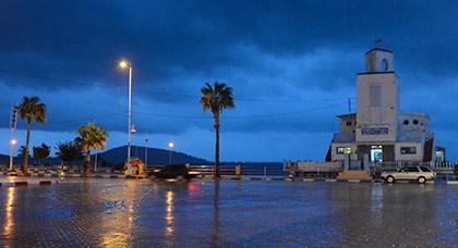 طقس اليوم.. عودة الأمطار وانخفاض في درجة الحرارة في أغلب مدن المملكة