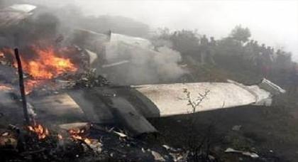 """صحيفة جزائرية: وجود انفصاليين صحراويين على متن الطائرة التي تحطمت يضع الجزائر و""""البوليساريو"""" في موقف حرج"""