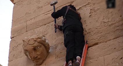 إيطاليا تطرد مغربيا قام بحفظ أشرطة داعشية في ذاكرة هاتفه النقال