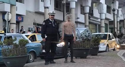 """الشرطة تعتقل """"رجل الشوك"""" بعدما اثارت تحركاته استغراب ساكنة تطوان"""