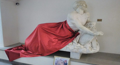 جدل في إيطاليا حول تغطية تمثال في نشاط جمعوي مغربي
