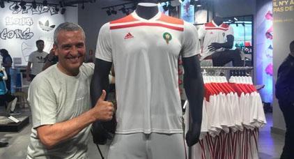 مغاربة يهاجمون قميص المنتخب المغربي في المونديال... ومدافع سابق يتهم أديداس بالسخرية من البلد