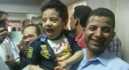 غريب.. طفل في الرابعة من عمره أمام المحكمة بتهمة تقبيل زميلته