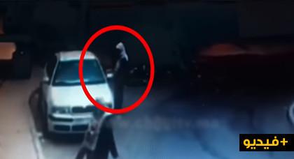 مثير.. شاهدوا لحظة سرقة سيارة في ملكية مستشار جماعي من الشارع العام