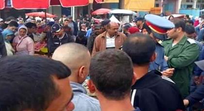 """مثير.. نائب رئيس جماعة بالحسيمة يتسبب في اعتقال 7 نشطاء بعد شكاية يتهمهم بتحريض الساكنة على """"مقاطعة"""" السمك"""