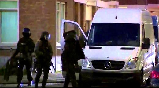الشرطة الهولندية تعثر على مليار ونصف وأسلحة نارية بحوزة مهرب مخدرات مغربي