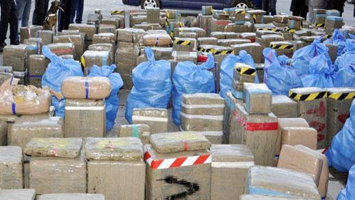 ثروتهم بلغت الملايير.. القضاء يدقق في ثروات بارونات للمخدرات بالشمال و مسؤولين أمنيين