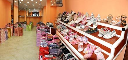 عروض جديدة بمحل كورتينا شوز لبيع الأحذية بالناظور