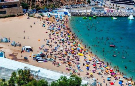 """أصوات تدعو لجعل """"الحسيمة"""" خلال هذا الصيف الوجهة السياحية الأولى بالمغرب"""