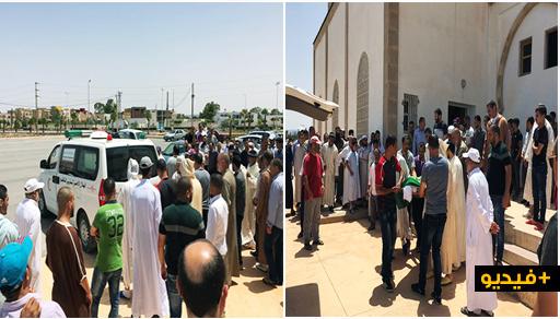 شاهدوا.. جثمان الإمام المتوفي غرقا في شاطئ أركمان يوارى الثرى بمقبرة العروي في جنازة مهيبة