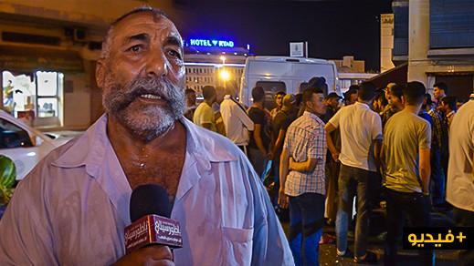 شاهدوا.. مواطن غاضب يفجر تصريحا ناريا بعد احتجاجه ضد سائقي الطاكسيات وسط الناظور