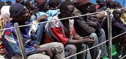 أفواج من المهاجرين السريين أوقفوا من طرف الأمن حلوا بمخفر الدرك بميضار