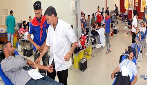 الدريوش.. إقبال مكثف على النسخة الـ 3 من حملة التبرع بالدم ومطالب بتعميمها على جماعات الإقليم