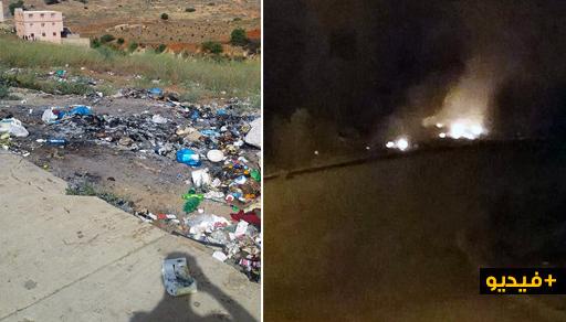 """تمسمان.. بلدة كرونة تسبح في """"النفايات"""" وأدخنة حرقها وجبة ليلية لساكنتها"""