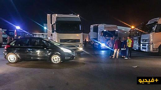 إغماء واختناق وفوضى.. حصيلة ليلة سوداء في ميناء بني انصار للمسافرين