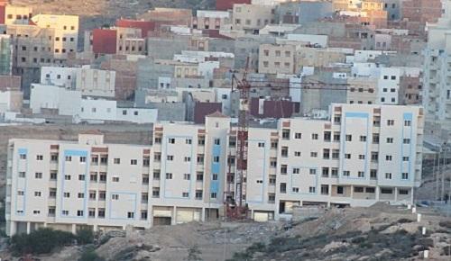 """سكان """"بادس"""" بالحسيمة يعانون في صمت من الانقطاع المستمر للماء في عز الصيف"""