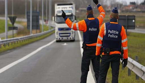بلجيكا.. أربعين شرطيا فيدراليا يجوبون الشوارع بشكل يومي للقبض على المهاجرين غير الشرعيين