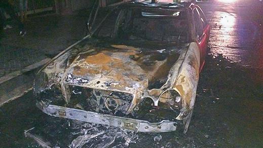 احتراق سيارة في طريق أزغنغان-الناظور والألطاف الإلهية تحول دون تسجيل خسائر بشرية
