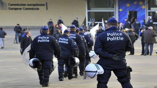 بلجيكا..الشرطة تعتقل حوالي 100 مهاجر غير شرعي في غرب فلاندرز