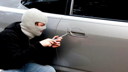 الدريوش.. مجهلون يفشلون في سرقة سيارة مستشار جماعي بجماعة امطالسة