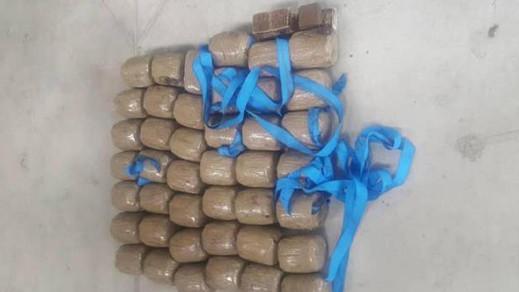 إعتقال مغربيين وحجز 28 كيلوغراما من مخدر الشيرا كانت على متن شاحنة للنقل الدولي