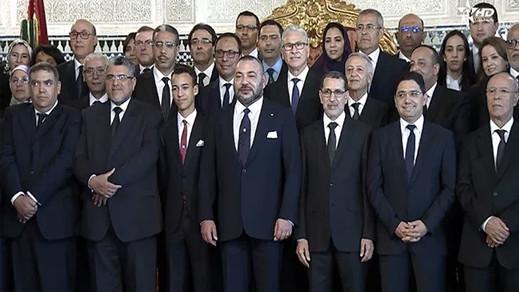 وزراء يجمعون حقائبهم استعدادا للرحيل من حكومة العثماني وهذه أسماؤهم