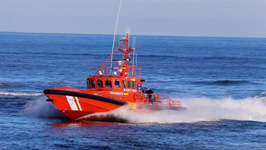سفينة تعثر على جثة مهاجر طفت فوق مياه البحر في ساحل قاديس جنوب إسبانيا