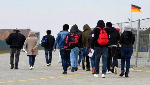 بعد رفض طلبات لجوئهم.. ألمانيا ترحل 476 مهاجر مغربي