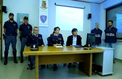 بالصور.. إيطاليا تفكك عصابة لسرقة السيارات الفاخرة يديرها 4 مغاربة وبحوزتهم أجهزة متطورة