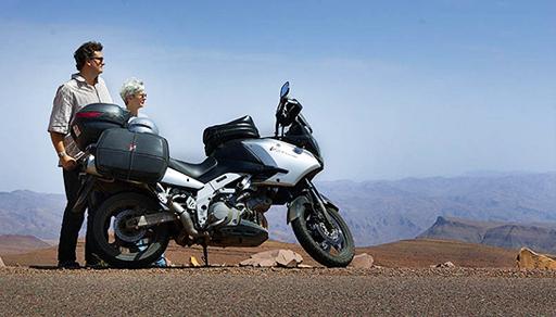 مصرع سائح هولندي يجول المغرب بدراجته النارية بسبب حفرة في الطريق الوطنية
