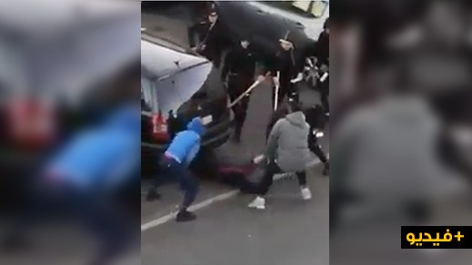 أعضاء عصابة بينهم مغاربيون يضربون خائنا بليل الفرنسية