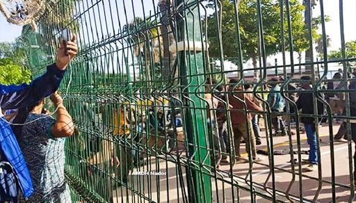 سلطات مليلية تعيد 55 مهاجرا إلى المغرب بعد اقتحامهم السياج الحدودي لمليلية