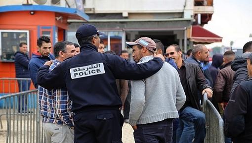 أمن بني انصار يعتقل 3 تونسيين وجزائري بجوازات سفر مغربية بمعبر فرخانة