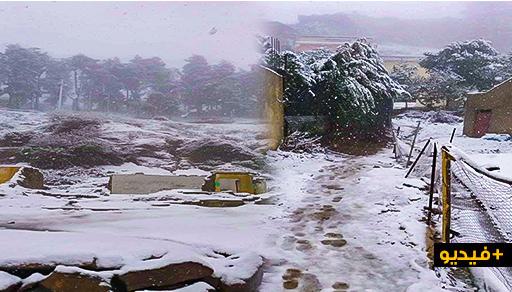 بالصور.. ثلوج مهمة تغطي قمم جبال باب برد ومناطق من إقليم الحسيمة