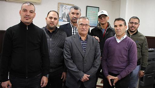 """جمعية """"النهضة"""" تواصل إبرام الاتفاقيات لتحسين الوضعية المهنية لسائق سيارة الأجرة الصغيرة"""