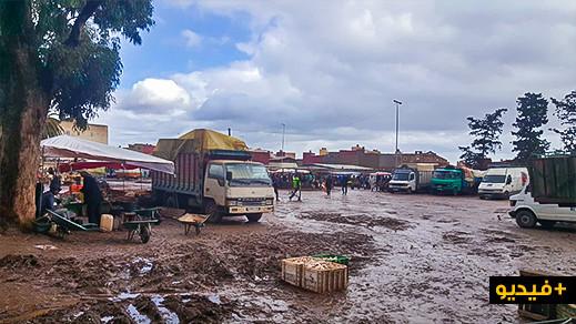 السوق الأسبوعي بأزغنغان خالٍ على عروشه من الخضروات وسط امتعاض الساكنة والسبب أرباب الشاحنات