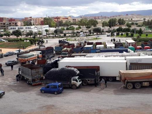 تمديد مدة إضراب سائقي الشاحنات يستنفر السلطات الأمنية بالعروي