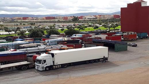 سائقو شاحنات نقل البضائع بالمغرب يعلقون إضرابهم بعد تلقيهم هذه الوعود