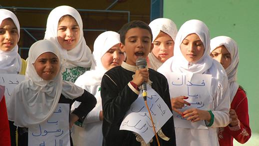 تلامذة مدارس ابتدائية وسط الناظور تلتئم للاحتفال بذكرى عيد المولد النبوي وسط أجواء بهيجة