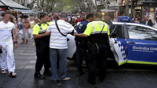 إسبانيا.. الشرطة توقف مهاجرا مغربيا محكوم غيابيا بـ 30 سنة سجنا بتهمة محاولة القتل