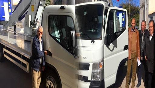جماعة بني انصار تقتني شاحنة لإصلاح الأعمدة الكهربائية والمصابيح العمومية