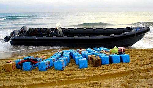تحقيقا قضائية تورط نجل برلماني ريفي في تزعم شبكة لتهريب المخدرات عبر ميناء الحسيمة