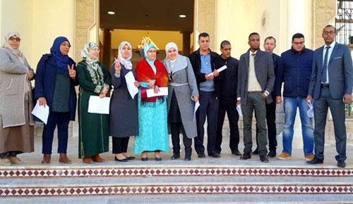 موظفو وزارة العدل ينخرطون في الوقفة الوطنية ويخوضون أول احتجاج لهم داخل ابتدائية الدريوش