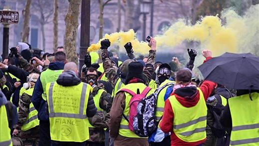 تنازلات جديدة للحكومة الفرنسية تفاديا لاحتجاجات السترات الصفراء
