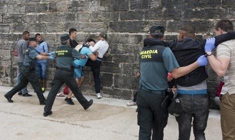 سلطات مليلية تطالب المساعدة من مدريد لترحيل أزيد من 1400 طفل مغربي