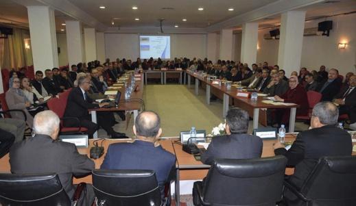 """وزارة الداخلية تمنع المنتخبين من التواصل بتقنية """"اللايف"""" في الاجتماعات الرسمية"""
