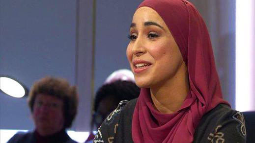 """حفصة البزيوي أول إمرأة محجبة في مجلس مدينة """"غنت"""" ببلجيكا"""