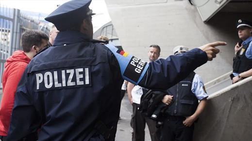ألمانيا.. تفتيش مسجد للاشتباه في تورط إمامه في أنشطة إرهابية