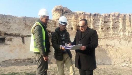 الوزير محمد الأعرج يتفقد مشاريع ترميم المواقع الاثرية والتاريخية بالحسيمة